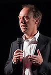 Nederland, Haaren, 03-09-2010 Frank de Boer directeur Cuadrilla aan het woord. De gemeente Haaren in Noord-Brabant organiseert een avond met film en debat op het dorpsplein. Ze willen de meningen peilen over het toestaan van boringen naar schaliegas. De Stichting SchalieGASvrij Haaren en het bedrijf Cuadrilla Resources spreken tijdens de manifestatie.  FOTO: Gerard Til
