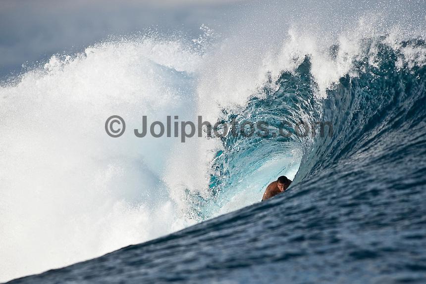 BOBBY MARTINEZ (USA)  at Teahupoo, Tahiti, (Friday May 8 2009.) Photo: joliphotos.com