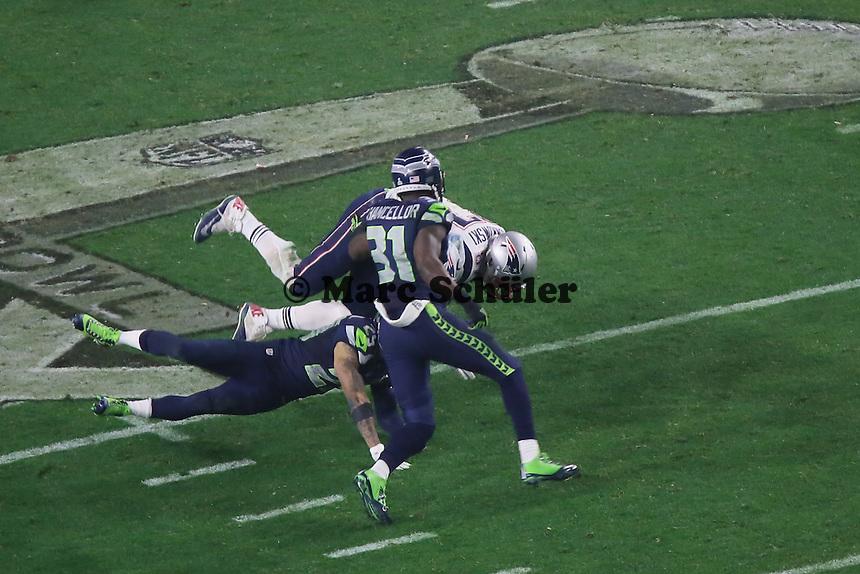 TE Rob Gronkowski (Patriots) wird gestoppt - Super Bowl XLIX, Seattle Seahawks vs. New England Patriots, University of Phoenix Stadium, Phoenix