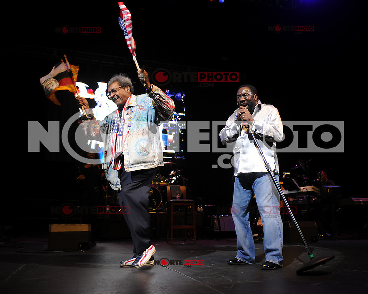HOLLYWOOD FL - JUNE 22 : Don King and Eddie Levert perform during Don King's 80th birthday celebration at Hard Rock live held at the Seminole Hard Rock Hotel &amp; Casino on June 22, 2012 in Hollywood, Florida. &copy;&nbsp;mpi04/MediaPunch Inc NORTEPHOTO.COM<br /> **SOLO*VENTA*EN*MEXICO**<br /> **CREDITO*OBLIGATORIO** <br /> *No*Venta*A*Terceros*<br /> *No*Sale*So*third*<br /> ** No Se Permite Hacer Archivo**