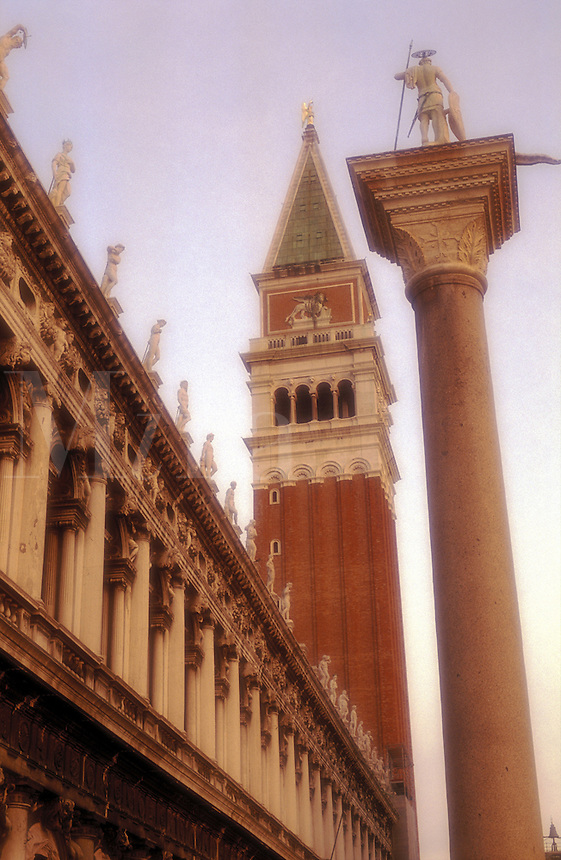 Italy, Venice, Piazzetta San Marco with column of St. Theodore, Biblioteca Marciana ( St. Mark's Library) and the  Campanile di San Marco