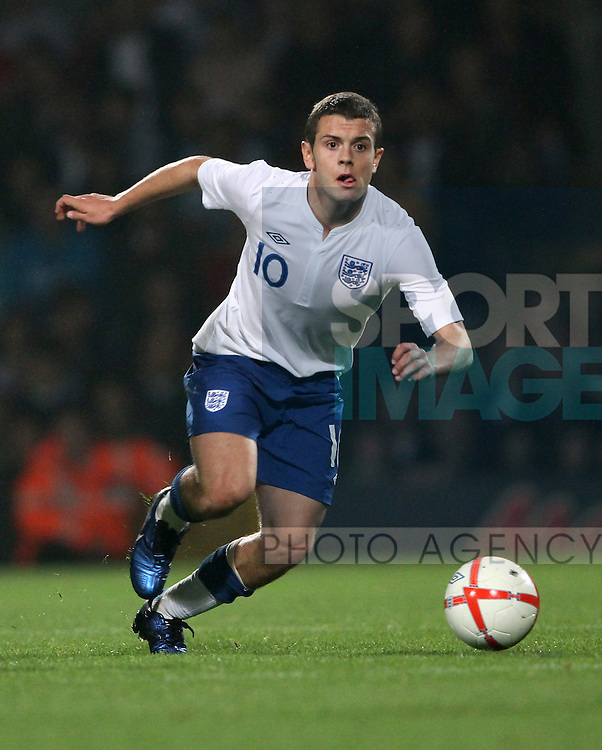 Englands Jack Wilshere in action