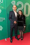 04.02.2019, Dorint Park Hotel Bremen, Bremen, GER, 1.FBL, 120 Jahre SV Werder Bremen - Gala-Dinner<br /> <br /> im Bild<br />  Viktor Skripnik (ehemaliger Trainer Werder Bremen) mit Gattin Liana<br /> <br /> Der Fussballverein SV Werder Bremen feiert am heutigen 04. Februar 2019 sein 120-jähriges Bestehen. Im Park Hotel Bremen findet anläßlich des Jubiläums ein Galadinner statt. <br /> <br /> Foto © nordphoto / Ewert