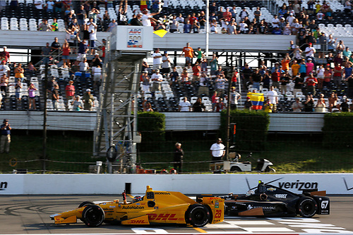22-23 August, 2015, Pocono, Pennsylvania, USA<br /> Winner Ryan Hunter-Reay takes the checkered flag and win<br /> © 2015, Phil Abbott<br /> LAT Photo USA