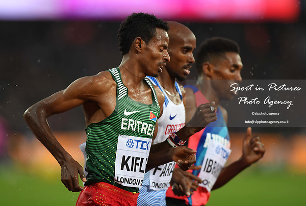 (l to r) Aron KIFLE (ERI), Mo Farah (GBR) and Hayle IBRAHIMOV (AZE) in the mens 5000m heats. IAAF world athletics championships. London Olympic stadium. Queen Elizabeth Olympic park. Stratford. London. UK. 09/08/2017. ~ MANDATORY CREDIT Garry Bowden/SIPPA - NO UNAUTHORISED USE - +44 7837 394578