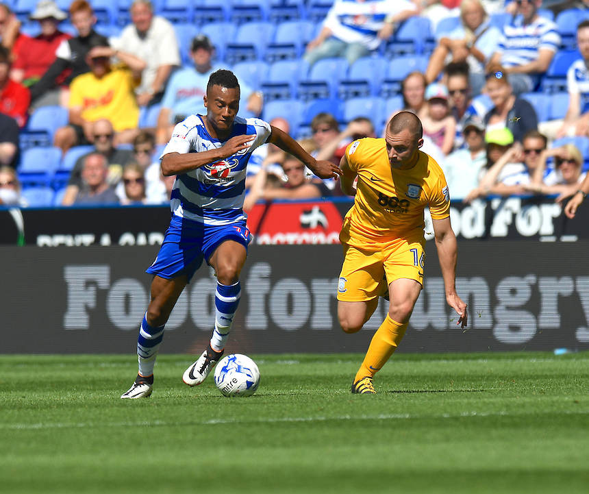 Preston North End's Liam Grimshaw (R) battles with  Reading's Jordan Obita (L)<br /> <br /> Reading 1 - 0 Preston North End<br /> <br /> Photographer David Horton/CameraSport<br /> <br /> Football - The Football League Sky Bet Championship - Reading v Preston North End - Saturday 6th August 2016 - Madejski Stadium - Reading <br /> <br /> &copy; CameraSport - 43 Linden Ave. Countesthorpe. Leicester. England. LE8 5PG - Tel: +44 (0) 116 277 4147 - admin@camerasport.com - www.camerasport.com