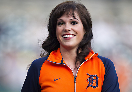 April 29, 2013:  DTE Energy Squad member Chelsea Estes during MLB game action between the Minnesota Twins and the Detroit Tigers at Comerica Park in Detroit, Michigan.  The Tigers defeated the Twins 4-3.