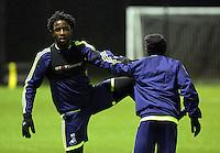 Wilfried Bony of Swansea (L) training