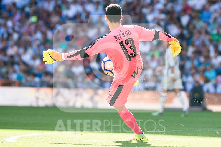 Eibar FC's player Asier Riesgo during a match of La Liga Santander at Santiago Bernabeu Stadium in Madrid. October 02, Spain. 2016. (ALTERPHOTOS/BorjaB.Hojas)