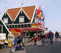 Winkels op de Dijk in Volendam