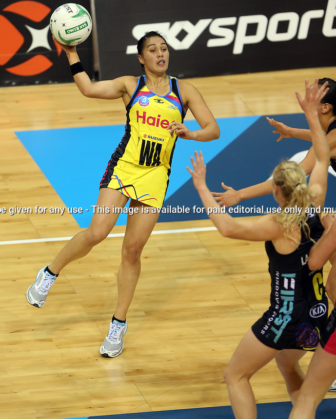 13.05.2013 Pulse's Liana Leota in action during the ANZ Champs netball match between the Magic and Pulse played at Claudelands Arena in Hamilton. Mandatory Photo Credit ©Michael Bradley.