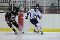 IJSHOCKEY: HEERENVEEN: Thialf IJsstadion, 22-09-2012, Oefenwedstrijd Friesland Flyers - Frankfurt Löwen, Eindstand 2-3, rechts Sander Dijkstra (#5), ©foto Martin de Jong