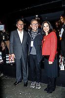 SAO PAULO, SP, 18 DE MARÇO DE 2013. SAO PAULO FASHION WEEK - PRIMAVERA/VERAO 2014 - CAVALERA - O governador de São Paulo, Geraldo Alckmin, a  primeira dama, Lu Alckmin e o criador da SPFW, Paulo Borges, durante  o desfile da marca Cavalera que fecha o primeiro dia de desfiles da São Paulo Fashion Week - verão 2014.  FOTO ADRIANA SPACA/BRAZIL PHOTO PRESS
