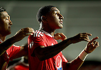 CALI -COLOMBIA, 22-08-2016.  Juan Angulo jugador del América de Cali  celebra su gol contra el Atlético FC  de Cali durante encuentro  por la fecha 8 vuelta  del torneo  Aguila II 2016 disputado en el estadio Pascual Guerrero./  Juan Angulo player of America de Cali  celebrates his goal against Atletico FC  de Cali during match for the date 8 of the Aguila tournament II 2016 played at Pascual Guerrero stadium in Cali. Photo:VizzorImage / Juan Carlos Quintero  / Cont