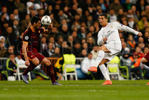 08.03.2016 Estadio Santiago Bernabeu, Madrid, Spain. UEFA Champions League Real Madrid CF versus AS Roma.  Miralem Pjanic (15) Roma and  Cristiano Ronaldo dos Santos (7) Real Madrid.