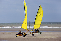 Belgien, Flandern, Strandsegler am Strand von De Panne