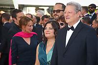 Al Gore et Segolene Royal sur le tapis rouge pour la projection du film MISE A MORT DU CERF SACRE lors du soixante-dixième (70ème) Festival du Film à Cannes, Palais des Festivals et des Congres, Cannes, Sud de la France, lundi 22 mai 2017. Philippe FARJON / VISUAL Press Agency