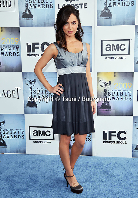 Eliza Dushku    -<br /> Independent Spirit Awards on the Santa Monica Beach In Los Angeles.