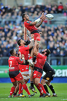 Jocelino Suta of Toulon rises high to win lineout ball. European Rugby Champions Cup match, between Bath Rugby and RC Toulon on January 23, 2016 at the Recreation Ground in Bath, England. Photo by: Patrick Khachfe / Onside Images