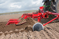 Using a Grimme bedforma for potatoes - Nottinghamshire, April