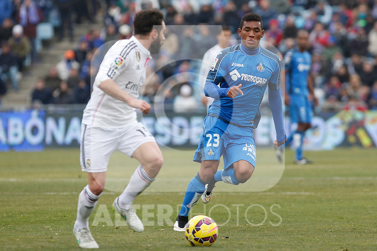 Getafe´s Freddy (R) and Real Madrid´s Daniel Carvajal during La Liga match at Coliseum Alfonso Perez stadium  in Getafe, Spain. January 18, 2015. (ALTERPHOTOS/Victor Blanco)