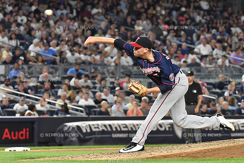 Neil Ramirez (Twins),<br /> JUNE 24, 2016 - MLB :<br /> Neil Ramirez of the Minnesota Twins pitches in the fifth inning during the Major League Baseball game against the New York Yankees at Yankee Stadium in the Bronx, New York, United States. (Photo by Hiroaki Yamaguchi/AFLO)