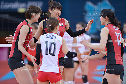 Ai Otomo and team group (JPN), .JULY 28, 2012 - Volleyball : .Women's Preliminary Round at Earls Court .during the London 2012 Olympic Games in London, UK. . (Photo by Jun Tsukida/AFLO SPORT) [0003]