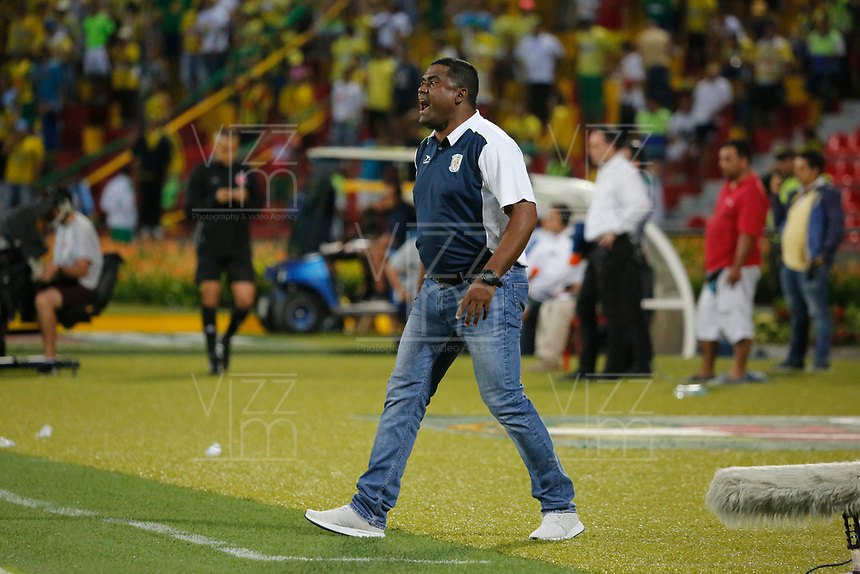 BUCARAMANGA - COLOMBIA , 5 - 11 - 2017: Hubert Bodhert director técnico de Jaguares de Córdoba.Atlético Bucaramanga y Jaguares de Córdoba en partido por la fecha 19 de la Liga Aguila II 2017 jugado en el estadio Alfonso López  de la ciudad de Bucaramanga. / Hubert Bodhert coach of Jaguares of Cordoba. Atletico Bucaramanga  and Jaguares de Cordoba  in match for the date 19 of the Liga Aguila II 2017 played at theAlfonso Lopez  Stadium in Bucaramanga city. Photo: Vizzorimage / Oscar Martínez / Contribuidor