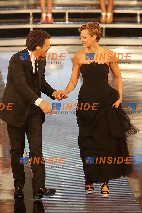 Federica Pellegrini e Fabrizio Frizzi..Montecatini Terme 09/09/2012..Finali nazionali Miss Italia 2012..Foto Insidefoto Paolo Nucci..