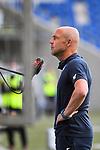Trainer Alfred Schreuder (Hoffenheim) im Interview mit Abstand.<br /> <br /> Sport: Fussball: 1. Bundesliga: Saison 19/20: 28. Spieltag: TSG 1899 Hoffenheim - 1. FC Koeln, 27.05.2020<br /> <br /> Foto: Markus Gilliar/GES/POOL/PIX-Sportfotos.<br /> <br /> Nur für journalistische Zwecke! Only for editorial use!<br /> <br /> Gemäß den Vorgaben der DFL Deutsche Fußball Liga ist es untersagt, in dem Stadion und/oder vom Spiel angefertigte Fotoaufnahmen in Form von Sequenzbildern und/oder videoähnlichen Fotostrecken zu verwerten bzw. verwerten zu lassen. DFL regulations prohibit any use of photographs as image sequences and/or quasi-video.