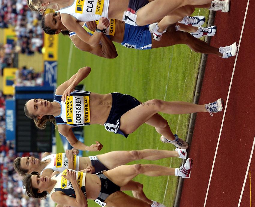 Photo. Richard Lane..Norwich Union British Grand Prix at Gateshead International. 27/06/2004..Lisa Dobriskey competes in the womens 1500m.