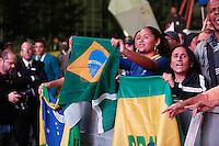 SAO PAULO, 30 DE JUNHO DE 2013. CONCENTRA SP - VALE DO ANHANGABAU. Publico assiste ao jogo do Brasil X Espanha pelo final da Copa das Confederações durante o evento Concentra SP. Durante o evento,  são transmitidos os jogos da copa das confederações em telões no Vale do Anhangabau. FOTO ADRIANA SPACA/BRAZIL PHOTO PRESS.