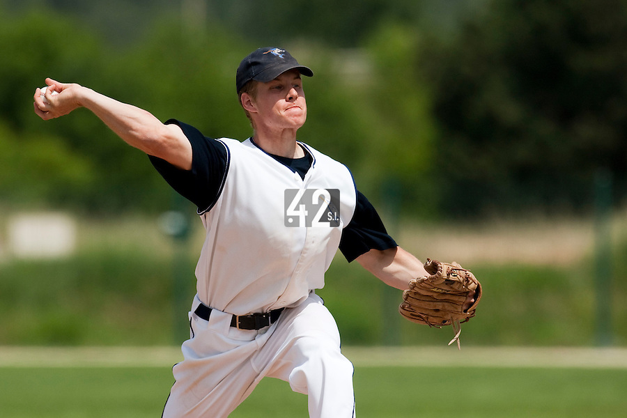 22 May 2009:  Gregory Cros of Montpellier pitches against Senart during the 2009 challenge de France, a tournament with the best French baseball teams - all eight elite league clubs - to determine a spot in the European Cup next year, at Montpellier, France. Senart wins 7-1 over Montpellier.
