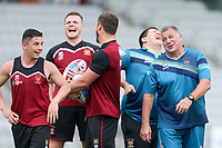 Picture by David Neilson/SWpix.com/PhotosportNZ - 09/02/2018 - Rugby League - Betfred Super League - Wigan Warriors v Hull FC - Captain's Run - WIN Stadium, Wollongong, Australia - Wigan players share a joke with coach Shaun Wane.