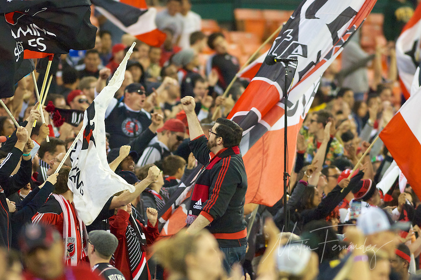 DC United defeated Orlando City 2-1 to extend their unbeaten streak to 8 games.