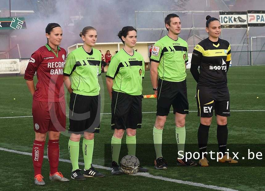 20170414 - Zulte , BELGIUM : Referee Irmgard Van Meirvenne (M) with assistant referees Davy Simoens (R) and Viki De Cremer (L) and both captains pictured during the soccer match between the women teams of Zulte Waregem and AA Gent Ladies , in the semi final matchday of the Belgian CUP - Beker van Belgie voor Vrouwen competition on Friday 14th April 2017 in Zulte .  PHOTO SPORTPIX.BE DIRK VUYLSTEKE