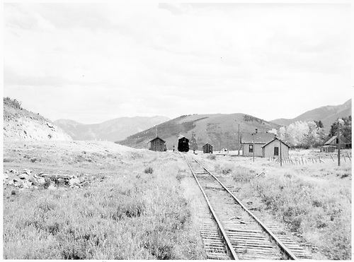 View of Peake, CO.<br /> RGS  Peake, CO  Taken by Richardson, Robert W. - 9/15/1948