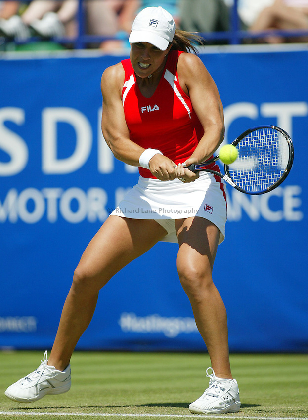 Photograph: Scott Heavey..Hastings Direct International Championships at Eastbourne. 20/06/2003..Jennifer Capriati