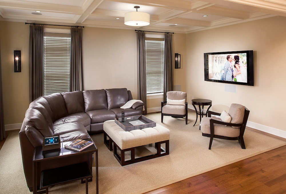 Simple Family room with Control4 Automation