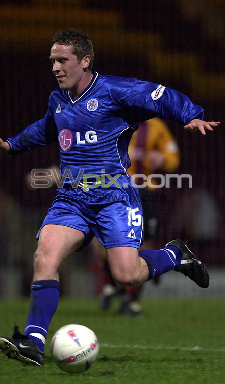 Pix: Simon Wilkinson/SWpix.com. Football. Nationwide League Division One. Bradford City v Leicester City. 04/03/03..COPYRIGHT PICTURE>>SIMON WILKINSON>>01943 436649>>..Leicester,s Alan Rogers