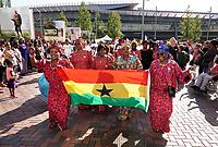 Nederland Amsterdam -  juli 2018.    Amsterdam viert 50 jaar Bijlmer. De SouthEast Parade. Deze parade wordt georganiseerd om de diversiteit van Amsterdam Zuidoost te laten zien. Groep met roots in Ghana.  Foto mag niet in negatieve context gepubliceerd worden.     Foto Berlinda van Dam /  Hollandse Hoogte