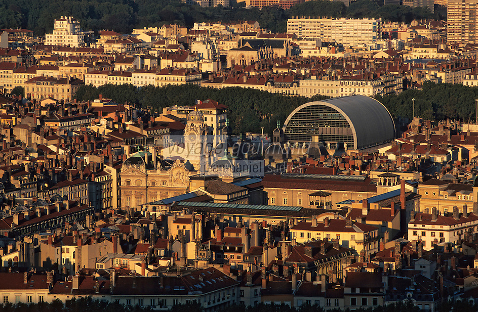 Europe/France/Rhône-Alpes/69/Rhône/Lyon: L'hôtel de ville et le théatre vus depuis la basilique Notre-Dame-de-Fourvière (1896 Gothico-byzantin)