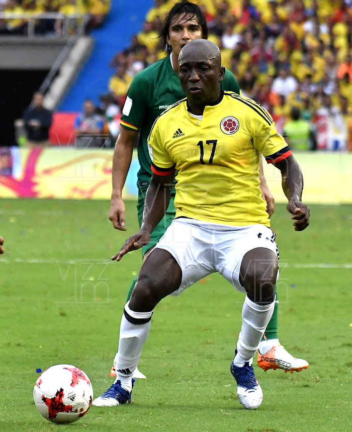 BARRANQUILLA – COLOMBIA - 23 – 03 -2017: Pablo Armero, jugador de Colombia en accion, durante partido entre los seleccionados de Colombia y Bolivia, de la fecha 13 válido por la clasificación a la Copa Mundo FIFA Rusia 2018, jugado en el estadio Metropolitano Roberto Melendez en Barranquilla. / Pablo Armero, player of Colombia in action, during match between the teams of Colombia and Bolivia, of the date 13 valid for the Qualifier to the FIFA World Cup Russia 2018, played at Metropolitan stadium Roberto Melendez in Barranquilla. Photo: VizzorImage / Luis Ramirez / Staff.