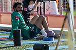 09.01.2020, Sportzentrum RCD Mallorca, Son Bibiloni, ESP, TL Werder Bremen -  Training Tag 07<br /> <br /> im Bild / picture shows <br /> <br /> Leonardo Bittencourt  (Werder Bremen #10)<br /> Verletzung / verletzt / Schmerzen<br /> Eisbeutel am Knoechel<br /> <br /> Foto © nordphoto / Kokenge