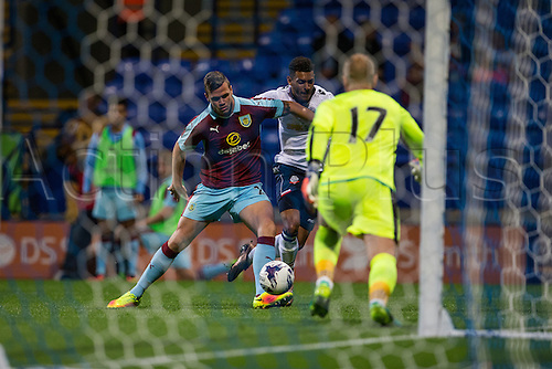 26.07.2016. Macron Stadium, Bolton, England. Pre Season Football Friendly. Bolton Wanderers versus Burnley. Burnley FC goalkeeper Paul Robinson dashes out of his goal for the save.