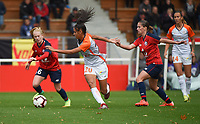 20181027 - CAMPHIN-EN-PEVELE , FRANCE : LOSC's Silke Demeyere (L) and Jessica Lernon (R) with Montpellier's Maelle Lakrar (M) pictured during the 8 th competition game between the women teams of Lille OSC and Montpellier Herault Sporting Club in the 2018-2019 season of the first Division - Ligue 1 at Domaine de Luchin , Saturday 27th Octobre 2018 ,  PHOTO Dirk Vuylsteke | Sportpix.Be