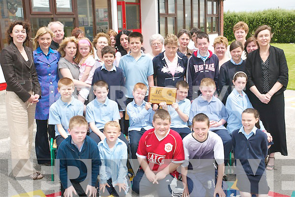 HEALTHY SCHOOL: Receiving their Healthy Schools award from the HSE, one of 60.schools to receive the award, the students, parents and teachers at Rathmorrell National.School, Causeway, on Thursday afternoon.