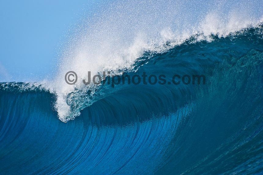 breaking wave Teahupoo. Tahiti. Photo: Joliphotos.com