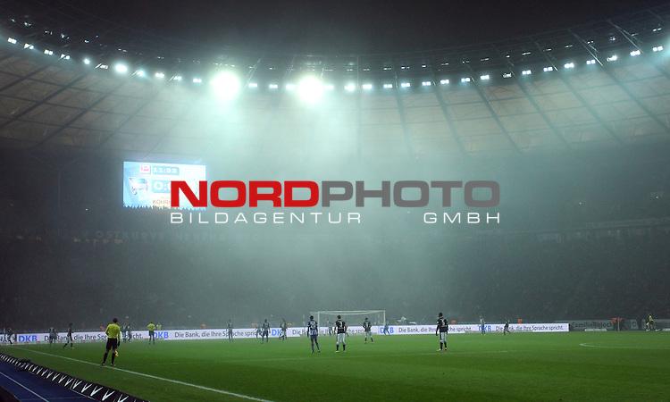 13.12.2013, OLympiastadion, Berlin, GER, 1.FBL, Hertha BSC vs Werder Bremen, im Bild Nebeleinfall<br /> <br />               <br /> Foto &copy; nph /  Schulz