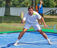 Den Bosch, Netherlands, 07 June, 2016, Tennis, Ricoh Open, Igor Sijsling (NED) plays Padel<br /> Photo: Henk Koster/tennisimages.com